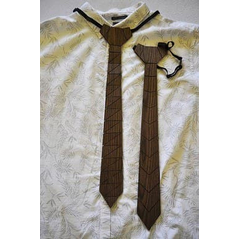 ručne robená drevená kravata