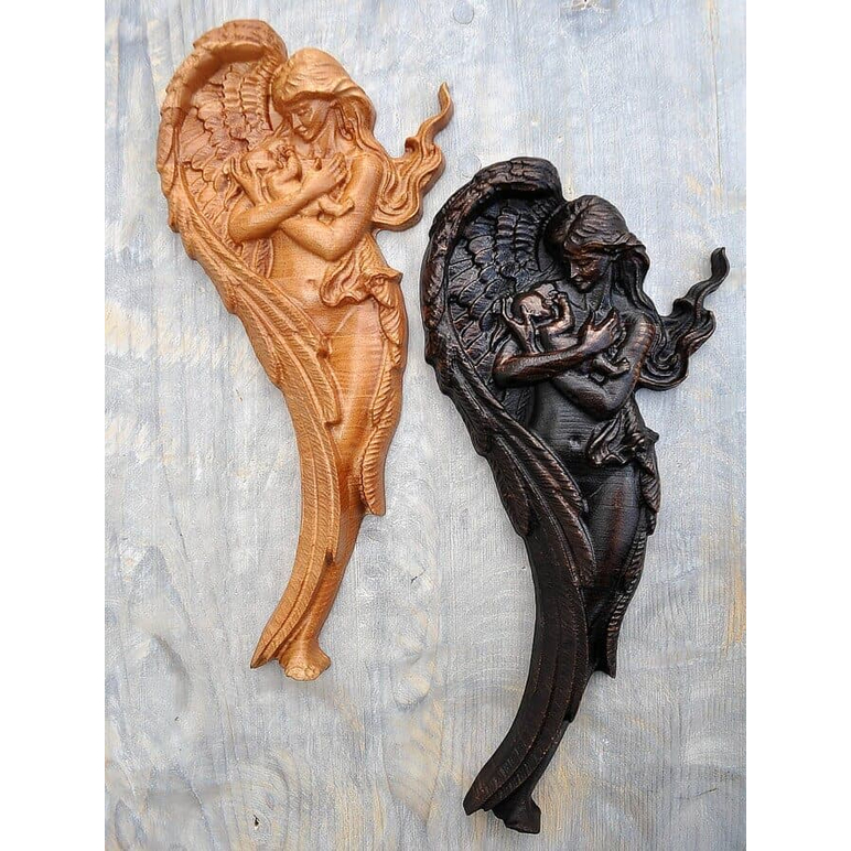 Drevorezba Anjel a Dieťa s bukového dreva